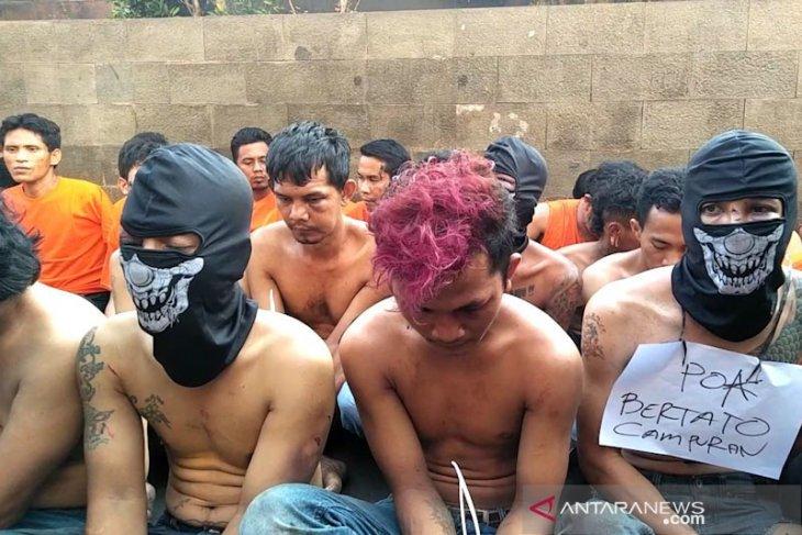 Polisi usut latar belakang pelaku ricuh di Petamburan