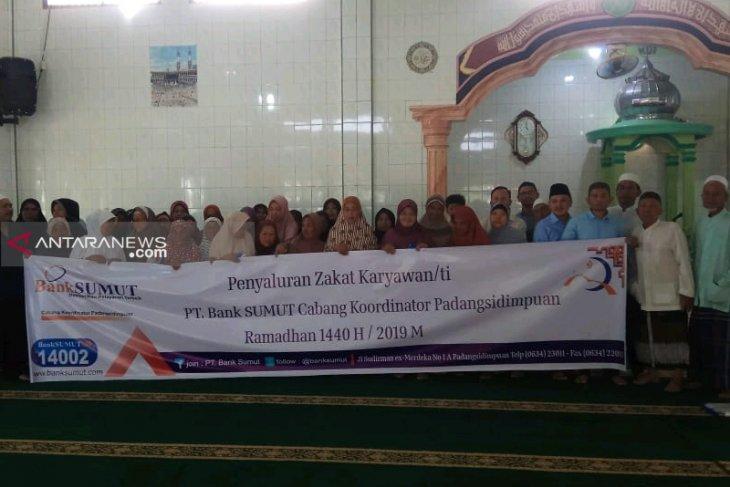 LAZ Bank Sumut Padangsidimpuan salurkan zakat