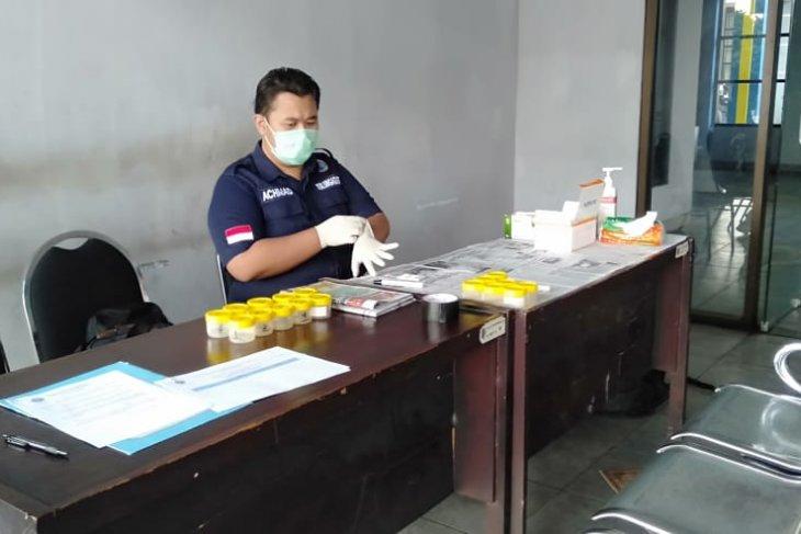 BNN Tulungagung periksa urine awak angkutan Lebaran