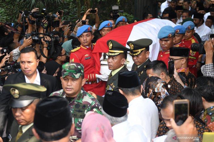 Jenazah Ani Yudhoyono diserahkan kepada pemerintah dan akan  dimakamkan