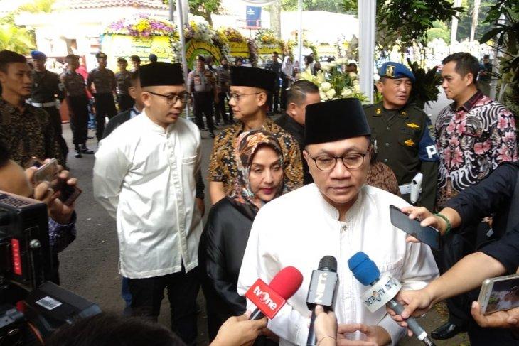 Ketua MPR dan beberapa tokoh nasional melayat ke Cikeas