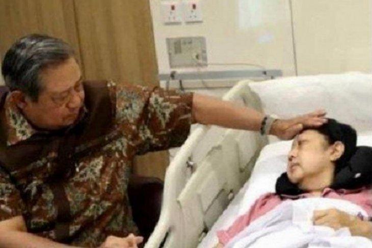 SBY akan bukukan kisah Ani  Yudhoyono