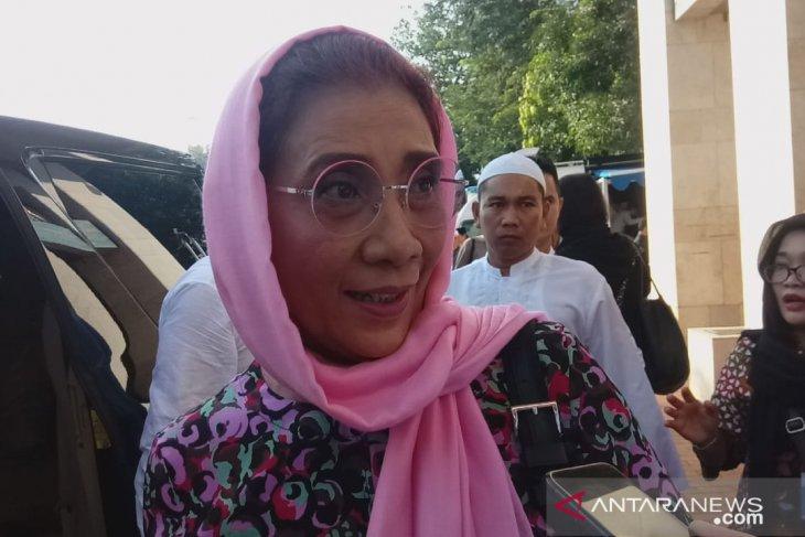 Menteri Susi Pudjiastuti Shalat Idul Fitri di Istiqlal