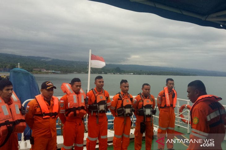 Pesawat TNI-AU turut cari KM Lintas Timur yang tenggelam