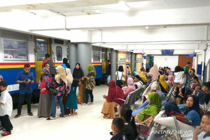 KAI Sumut sudah angkut 182.512 penumpang Lebaran 2019