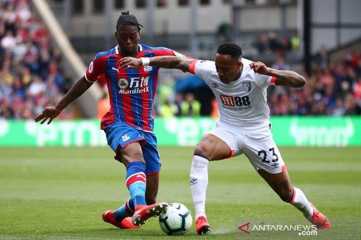 Manchester United menawar Wan-Bissaka 40 juta pounds, ditolak Palace