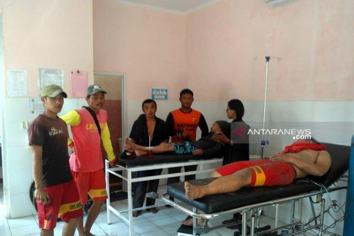 Relawan Balawista Sukabumi terjebak di karang saat selamatkan wisatawan tenggelam