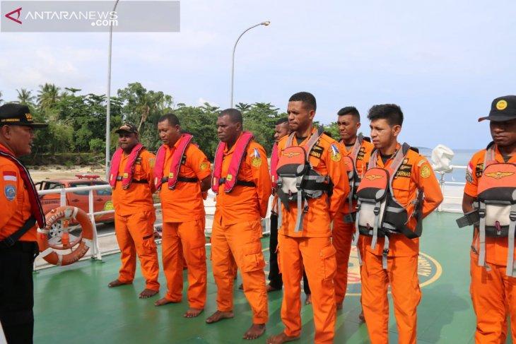Tim SAR Manokwari lakukan pencarian korban hilang di perairan Numfor