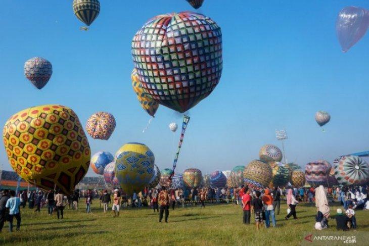 Suasana Festival Balon Udara Tradisional Di Pekalongan
