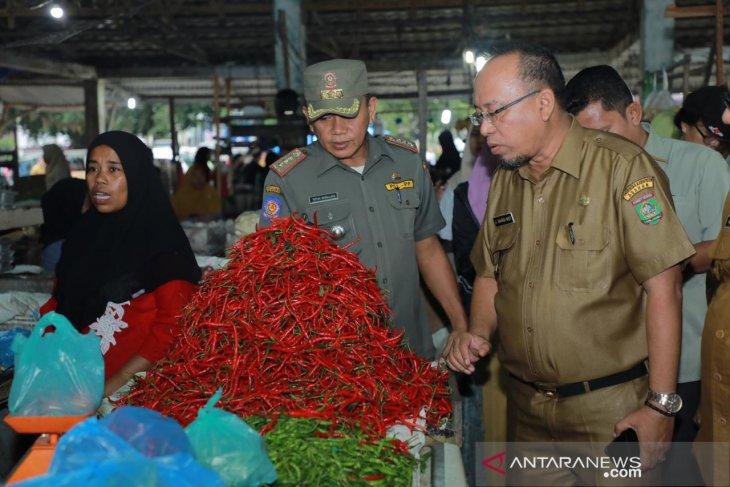 Pemkab Asahan diminta atasi harga cabai merah