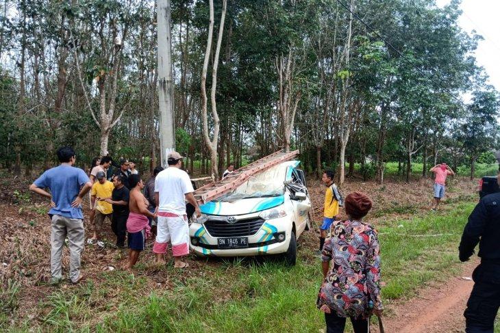 Mobil PLN cabang Koba alami kecelakaan, satu orang tewas