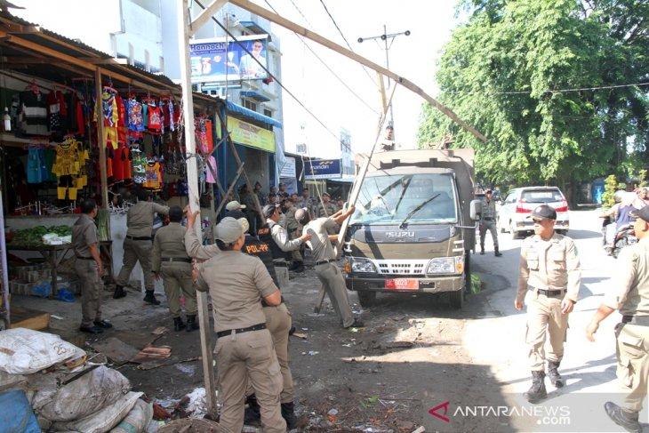 Pasar Kampung Lalang bersih  dari PKL