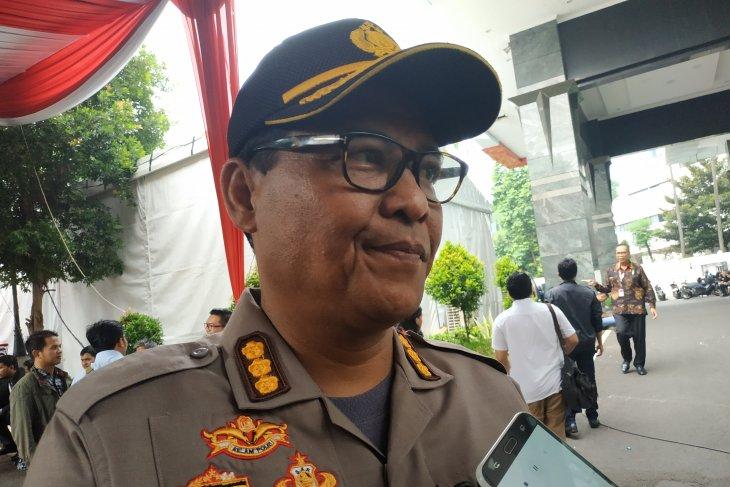 Pemeriksaan mantan Kapolda Metro Jaya Sofyan Jacob dihentikan sementara