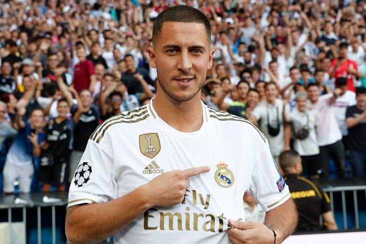 Hazard sebut fans Real Madrid lebih fanatik dibanding Chelsea