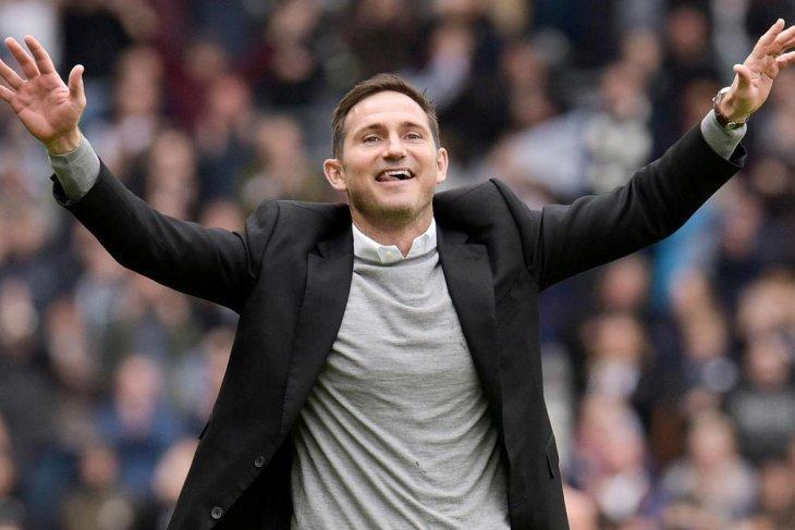 Frank Lampard jadi favorit gantikan Sarri di Chelsea