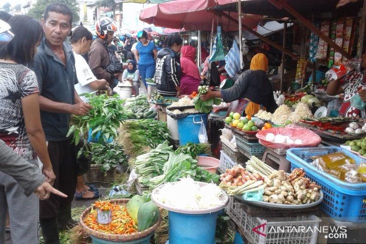 Harga sayuran produk lokal di Ambon melonjak