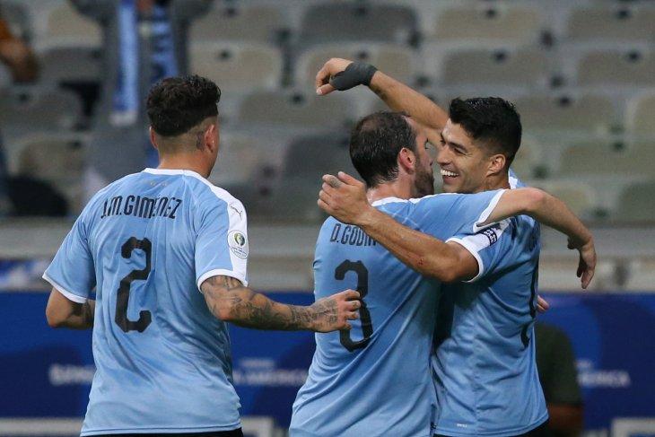 Uruguay menggempur Ekuador empat gol tanpa balas