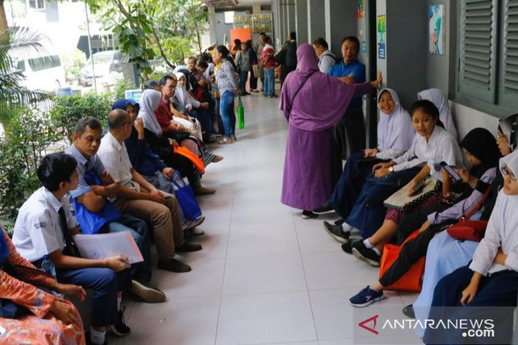 14.745 siswa Bogor memperebutkan 5.256 kursi SMA dan SMK negeri