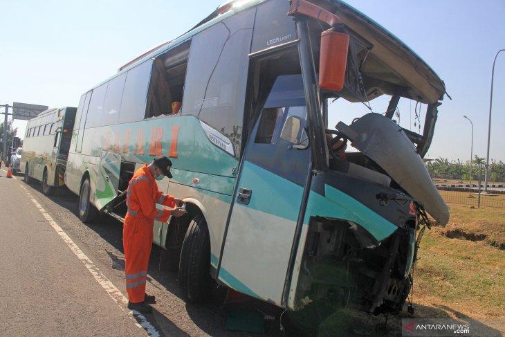 Penyerang sopir bus dalam kecelakaan beruntun di Cipali dikenakan pasal berlapis