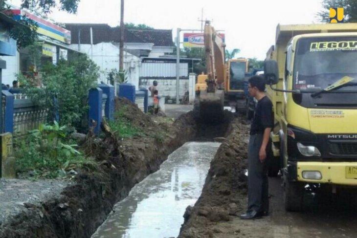Kementerian PUPR benahi drainase jalan