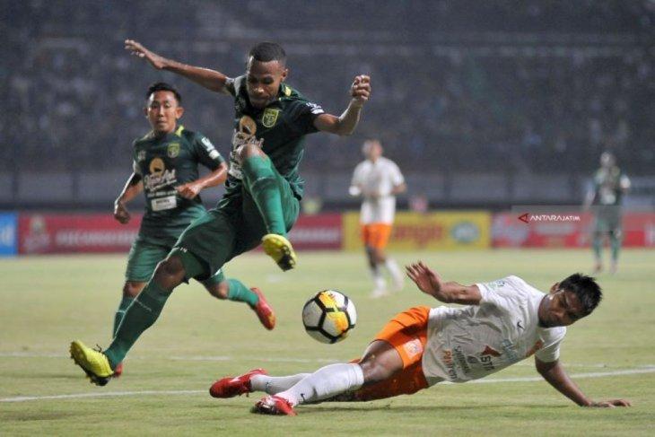 Persebaya raih kemenangan pertama usai permalukan Borneo FC 2-1