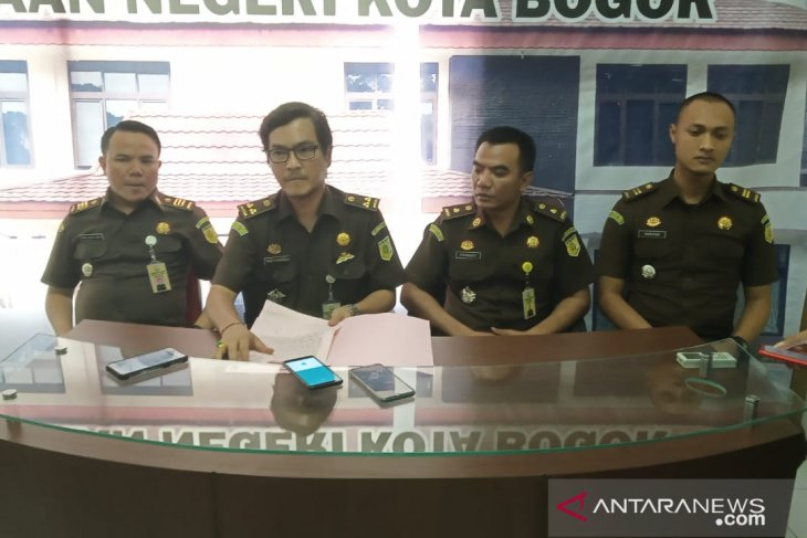 Sekretaris KPU Kota Bogor ngaku tidak tahu Bendahara KPU korupsi