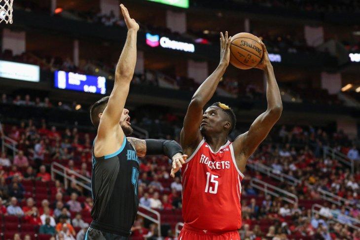 Houston Rockets berniat lepas Clint Capela