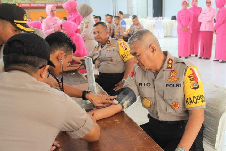Sambut hari bhayangkara, pejabat Polda Aceh donor darah