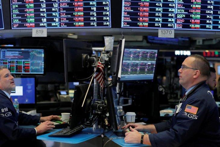 Wall Street sedikit menguat di tengah ekspektasi pertemuan Fed