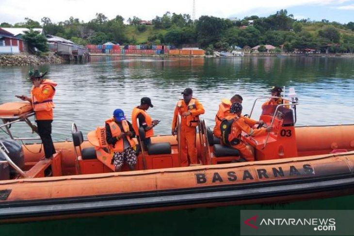 Tim SAR Namlea cari nelayan hilang di pulau Buru