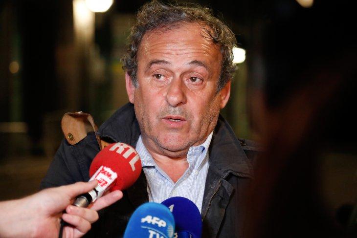 Michel Platini bebas