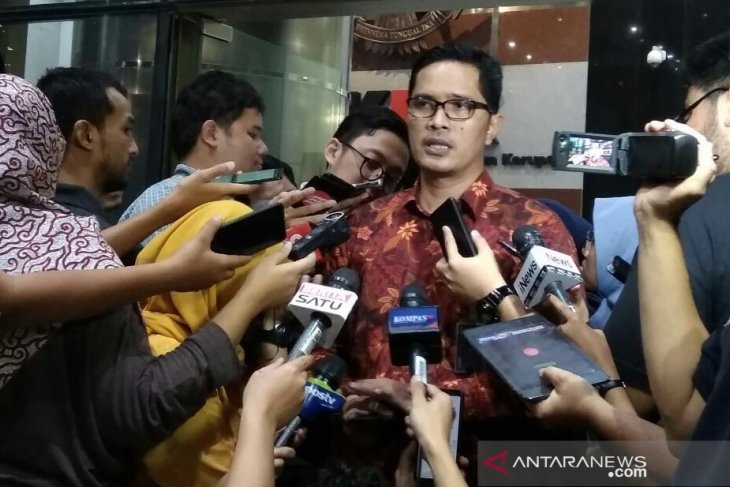 KPK memfasilitasi penyidik Polda Metro Jaya periksa Novel Baswedan