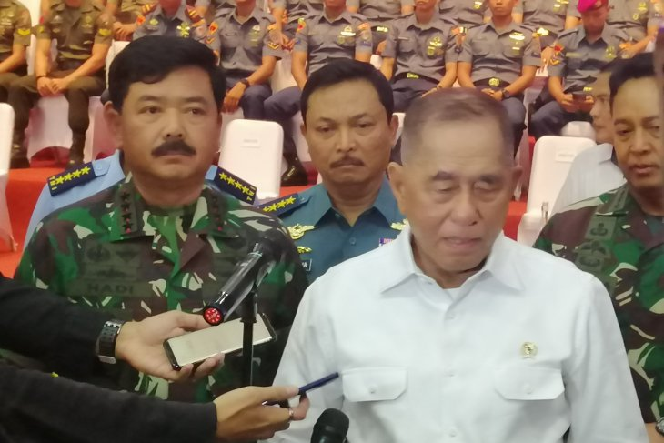 Minister expressed concern over soldiers being exposed to radicalism