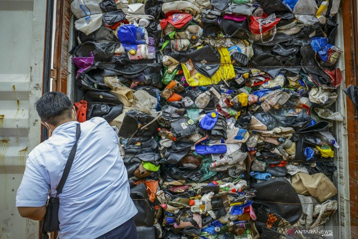 Dilema penerapan kebijakan cukai  plastik