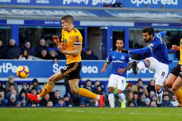 Everton-Barcelona sepakati banderol transfer Gomes
