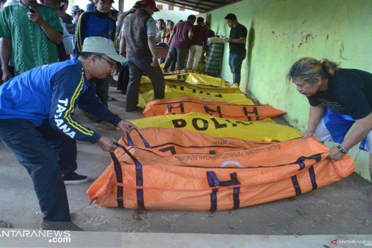 Korban kapal tenggelam belum ditemukan tinggal satu orang