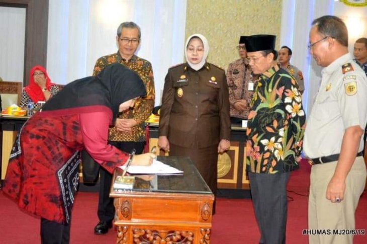 Bupati Masnah tandatangani nota kesepahaman bidang pertanahan