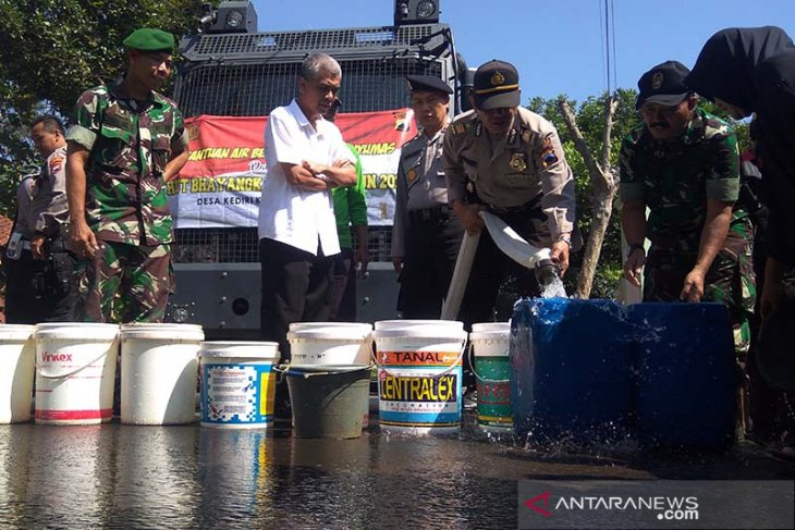 Eight villages in Banyumas face water shortage