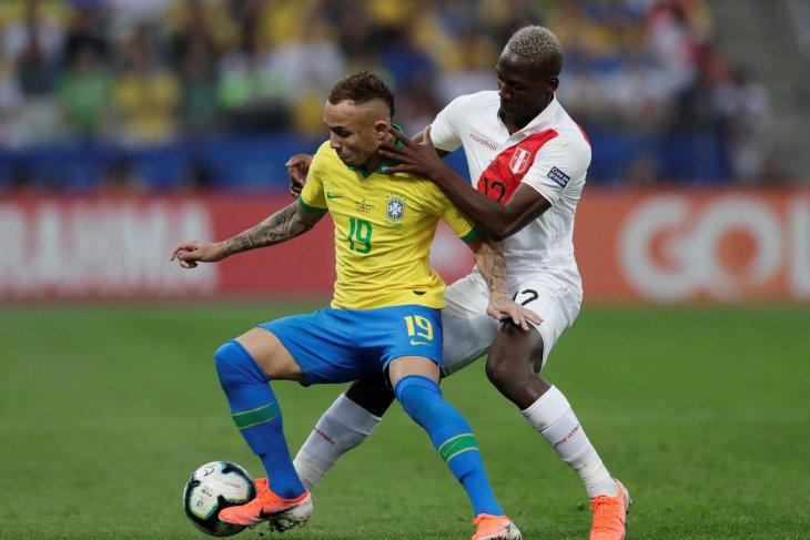 Tampil bagus di Copa America, nama pemain Brazil Everton mulai dikenal