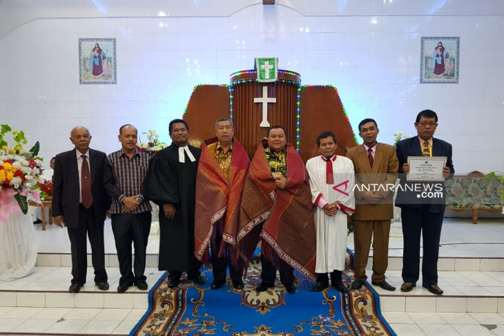 Lagi, Wali Kota Sibolga hibahkan Rp200 juta dana untuk gereja