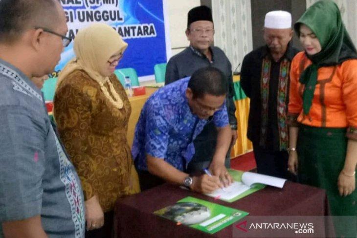LP3M Unand dan UGN Padangsidimpuan tanda tangani