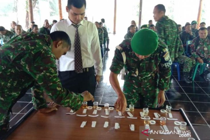 Puluhan prajurit Kodim Aceh Jaya diperiksa urine