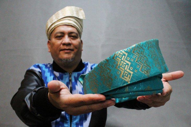 Tanjak Melayu OmPink dari Pontianak