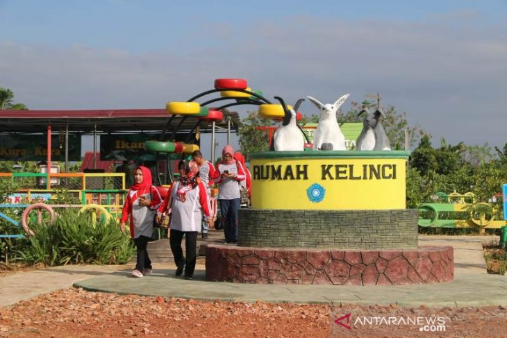Pokja III TP PKK Se Kaltim Sambangi Pondok Kelinci