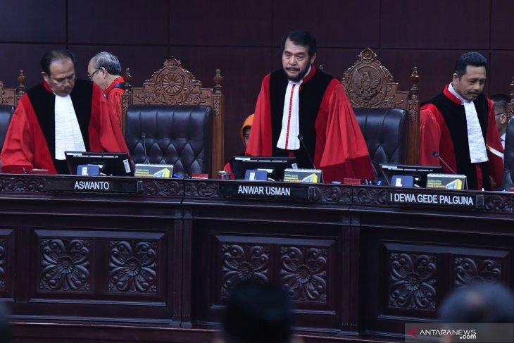 Hakim MK tidak temukan bukti ketidaknetralan aparat Polri