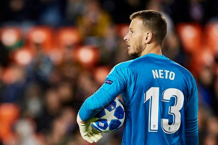 Barcelona gelontorkan 35 juta euro rekrut kiper pelapis, Neto
