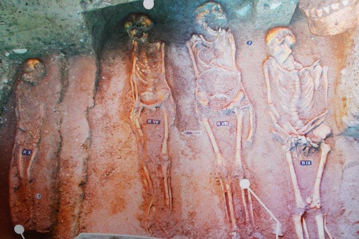 Peneliti Balai Arkeologi Maluku telusuri jejak hunian kuno di Manusela