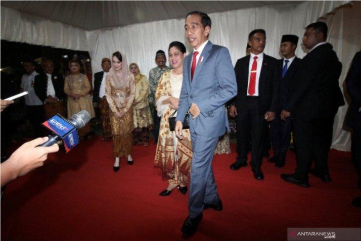 Presiden hadiri resepsi pernikahan putri Gubernur Khofifah