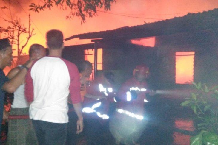 Tabung gas meledak, asrama Kebun Lada Binjai terbakar