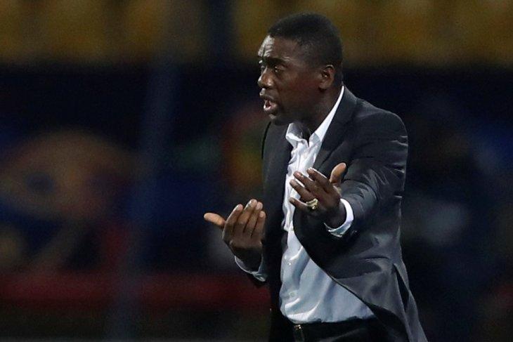 Clarence Seedorf yakin Kamerun akhiri paceklik gol
